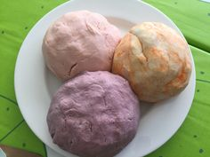 This is a quick and easy recipe that kids can help make as well as play with. Easy Playdough Recipe, Cooked Playdough, Duncan Hines, Messy Play, Kool Aid, Child Development, Quick Easy Meals, Cooking, Desserts