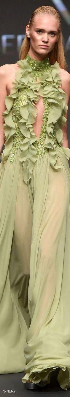 Abed Mahfouz Spring 2017 Fashion Show Green Fashion, Love Fashion, Fashion Outfits, Womens Fashion, Fashion Check, Modern Fashion, Abed Mahfouz, Couture Collection, Fashion 2018