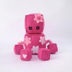 Felt robot softie by JoanAndJoy on Etsy Sock Dolls, Plush Dolls, Felt Crafts, Diy Crafts, Diy Robot, Felt Sheets, Felt Fairy, Felt Quiet Books, Plush Pattern