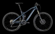 Canyon Strive - an enduro bike, but in reality it's two bikes in one, go from XC to DH with the push of a remote! Hardtail Mtb, Hardtail Mountain Bike, Mountain Bicycle, Mountain Biking, Downhill Bike, Mtb Bike, Canyon Mtb, Canyon Spectral, Grand Canyon