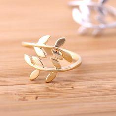 leaf ring adjustable, in gold