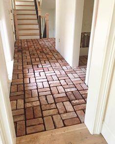 """Oh, hi, beautiful brick pavers!"" Finishing up flooring in this project - maja e. - ""Oh, hi, beautiful brick pavers!"" Finishing up flooring in this project – maja excited for it - Brick Paver Patio, Brick Pathway, Brick Paving, Brick Flooring, Brick Design, Floor Design, House Design, Brick Patterns, Brickwork"