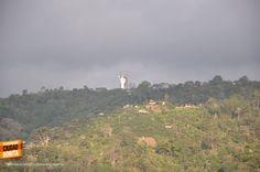 Desde prácticamente cualquier parte de Bucaramanga se puede apreciar el Santísimo. Gracias Gabriel Gordillo (http://on.fb.me/1HCLQ0T) por la foto #santisimoBUC