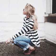 A fab striped top will make a great outfit for the day... won't you agree? #bretonstripes #ootd #stripedoutfit