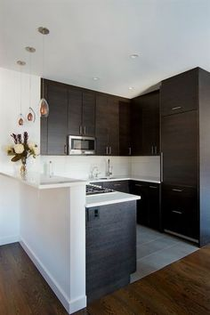 Browse photos of Small kitchen designs. Discover inspiration for your Small kitchen remodel or upgrade with ideas for organization, layout and decor. #RemodelingBeforeandAfter #smallkitchendesignideas