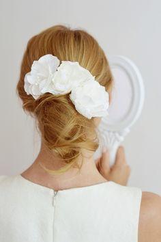 Trzy piękne kwiaty z tafty. - AnelisAtelier - Akcesoria do włosów