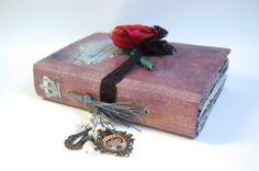 Royal theme Wedding Guest Book Wedding by AsuitcaseOfmemories, £98.00