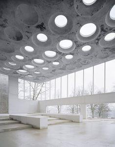 Architecture - Modern design : The Forum at Eckenberg Gymnasium by Ecker Architekten - Dear Art Architecture Design, Contemporary Architecture, Minimalism Living, Interior And Exterior, Interior Design, Brutalist, Atrium, Beautiful Space, Lighting Design