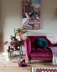 Eclectic Living Room, Living Room Sofa, Interior Design Living Room, Living Room Decor, Bold Living Room, Lila Sofa, Velvet Furniture, Paint Colors For Living Room, Home Room Design