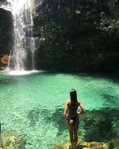 The Top Must Do and See things on Kauai Hawaii's Garden Island! Summer Beach, Summer Vibes, Kauai Waterfalls, Saint Barbara, Foto Casual, Foto Pose, Kauai Hawaii, Summer Aesthetic, Summer Pictures