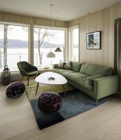 Norwegian cabin by the sea. http://www.bjorkavag.no/private-prosjekter/orestupet-hytte/