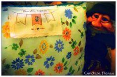Almohadon tejido con funda floreada ♥