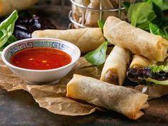 Hjemmelagde vårruller | Oppskrift | Meny.no Vietnamese Recipes, Vietnamese Food, Fresh Rolls, Sweet Potato, Chili, Fries, Potatoes, Pasta, Snacks