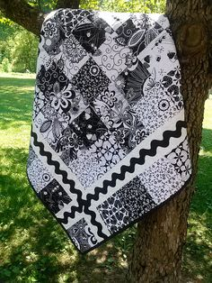 Black and White Ric Rac quilt...red and white green and white almost any 2 color combo!
