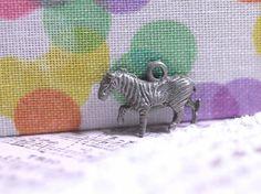 http://leche-handmade.com/?pid=24960045