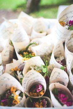 Ceremony Inspiration / Confetti Cones / Wedding Style Inspiration / LANE (instagram: the_lane)