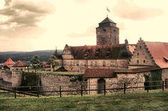 Die Festung Rosenberg (auch Veste Rosenberg) ist eine von barocken Festungsanlagen umgebene Burganlage über der Stadt Kronach.    Fortress Rosenberg in Kronach / Bavaria is one of the largest and most beautiful fortresses in Germany. http://www.freizeitfuehrer-franken.de/festung-rosenberg-kronach.html
