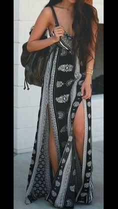 Awesome Summer Outfits To Beat The Summer Heat Black Printed Maxi Boho Dress Bohemian Mode, Boho Chic, Bohemian Gypsy, Look Fashion, Fashion Beauty, Cheap Fashion, Street Fashion, Dress Fashion, Gypsy Fashion