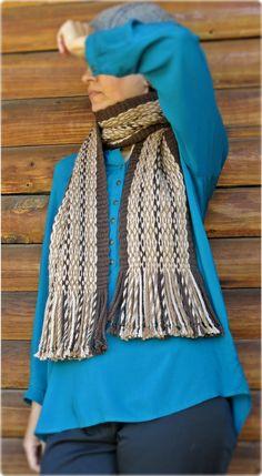"Scarf woven in Mapuche loom with Pehuenche tecnique named ""Ojo de Guanaco"", alpaca wool. For sale on Etsy in ""TelaresNUEVOMUNDO"" Alpaca Scarf, Alpaca Wool, Wool Scarf, Plaid Scarf, Textiles, Sheep Wool, Weaving Techniques, Ethnic Fashion, Slow Fashion"