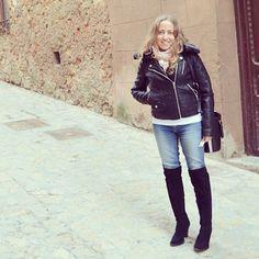 Cazadora de cuero www.ideassoneventos.com #ideassoneventos #imagenpersonal #imagen #moda #ropa #looks #vestir #fashion #outfit #ootd #style #tendencias #fashionblogger #personalshopper #blogger #me #streetstyle #postdeldía #blogsdemoda #instafashion #instastyle #instalife #instagood #instamoments #job #myjob #currentlywearing #clothes #casuallook #cazadoradecueronegra