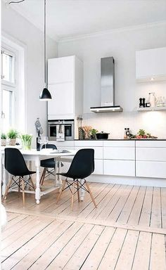 Monochrome kitchen found on House of Calm | Tinyme Blog