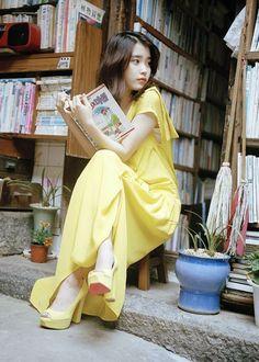 Concept Photo For 'A Flower Bookmark' Korean Women, Korean Girl, Asian Girl, Sulli, Iu Fashion, Korean Fashion, Snsd, Seoul, Korean Celebrities