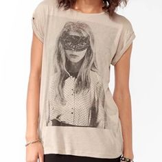 Graphic Tee Slouchy style Graphic Tee. Taupe color. Size S. Forever 21 Tops Tees - Short Sleeve