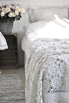 All Things Shabby and Beautiful I would love to have an all white bedroom one day. So fresh and pretty. Purple and mustard bedroom with laye. Interior Blogs, Home Interior, Bathroom Interior, Interior Ideas, Interior Design, Home Design, Modern Bathroom, Design Design, Design Ideas