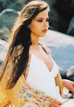 Ornella Muti Ornella Muti, Celebrity Singers, Artists And Models, Italian Actress, Milla Jovovich, Monica Bellucci, Stunningly Beautiful, Classy Women, Classic Beauty