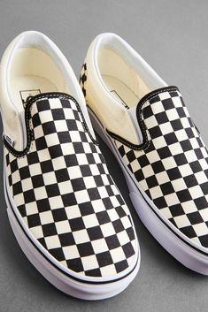 Vans Sk8 Hi Outfit, Vans Old Skool Outfit, Vans Outfit Men, Tenis Vans Classic, Vans Classic Slip On, Vans Slip On, Vans Sneakers, Vans Shoes, Vans Logo
