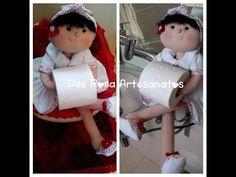 Boneca porta-papel higiênico, bracinho e suporte para ela ficar sentada…