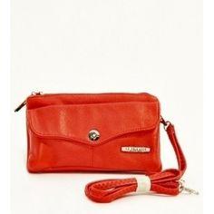 En uygun kaliteli çanta modelleri seyahat valizleri tek adreste www.cantamekani.com