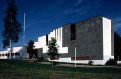 alvar aalto alajarvi - Google Search Alvar Aalto, Town Hall, Finland, Wind Turbine, Mansions, House Styles, Google Search, School, Decor