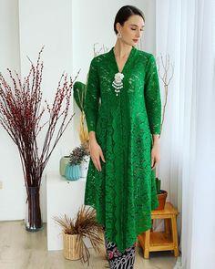 Dress Brokat Modern, Kebaya Modern Dress, Kebaya Dress, Kebaya Hijab, Malay Wedding Dress, Disney Wedding Dresses, Pakistani Wedding Dresses, Wedding Hijab, Muslim Fashion