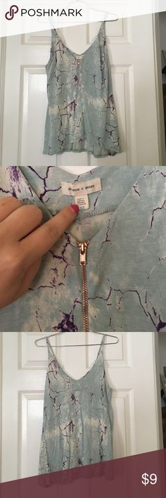 Silence and noise top size xs zipper rose gold Silence and noise top size xs zipper rose gold // marbled top blue and purple// super cute with white shorts or pants💐 silence + noise Tops Blouses