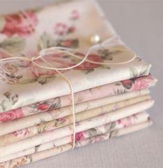rosecoveredcottage:  Love the fabrics