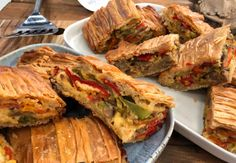 Spanakopita, Fresh Rolls, Sandwiches, Pizza, Bread, Ethnic Recipes, Food, Youtube, Drink