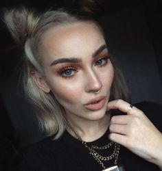 Pinterest : cvkefacee Instagram : cvkeface