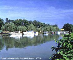 Le port de la junction à #Nevers, excellent for a stay! Near the former medieval city !