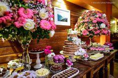 A @fernandagurjaocerimonial é especializada em mini weddings. Do planejamento à decoração ela te ajuda em tudo. Gostou dessa decoração? Foi pensado e realizado por ela.  Orçamento  (21) 98195-7386 e-mail: fernandagurjao@yahoo.com.br ou no instagram @fernandagurjaocerimonial