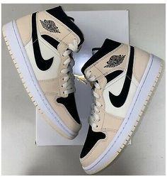 Cute Nike Shoes, Nike Air Shoes, Shoes Jordans, Air Jordan Sneakers, Jordan Shoes Girls, Girls Shoes, Sneakers Fashion, Fashion Shoes, Girl Fashion