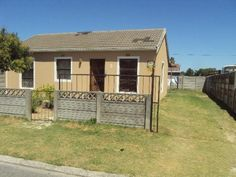 3 bedroom house in Devon Park, , Devon Park, Property in Devon Park - T253246