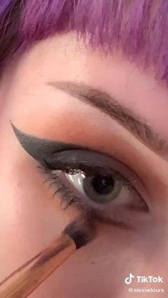 Punk Makeup, Gothic Makeup, Eye Makeup Art, Skin Makeup, Anime Makeup, Maquillage Goth, Grunge Makeup Tutorial, Eye Makeup Designs, Makeup Looks