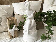 cache sommier en lin et dentelle linge de maison charme ancien pinterest. Black Bedroom Furniture Sets. Home Design Ideas