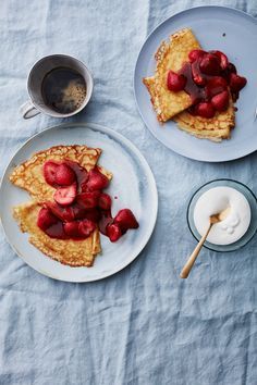 Crepes are easier to make than you think. These French street-food staples can be dressed up with sweet or savory toppings and any number of flavorful fillings. Easy Crepe Recipe, Crepe Recipes, Brunch Recipes, Breakfast Recipes, Mexican Breakfast, Pancake Recipes, Breakfast Sandwiches, Breakfast Pizza, Waffle Recipes