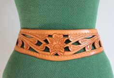 Vintage Belt / 1950s Tooled Leather Belt / 50s Wide Leather Belt