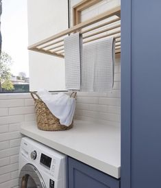 Outdoor Laundry Rooms, Modern Laundry Rooms, Küchen Design, House Design, Design Interior, Laundry Room Inspiration, Laundry Room Remodel, Laundry Storage, Laundry Art