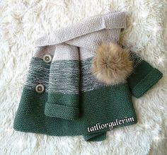 Sevgili Müşterim Emine Hanım'ın siparişlerinden🌿🍃 Güzel günlerde sağlıkla kullanılması dileğiyle inşallah🎁.. .🌸 🍃 🌸 🍃 Sipariş ve bilgi… Crochet Baby Sweaters, Crochet Baby Clothes, Crochet Baby Hats, Baby Blanket Crochet, Crochet For Kids, Knit Crochet, Baby Knitting Patterns, Knitting Stitches, Diy Bebe