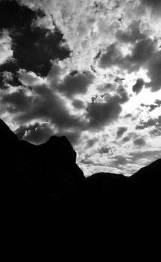 #sentieroglaciologico #vallemaggia #robiei #ticino #svizzera #tessin #suisse #switzerland #trekking #hiking #trek #alpi #alps #suissealps… Alps, Trekking, Switzerland, Hiking, Clouds, Photos, Outdoor, Walks, Outdoors