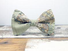 Fliege für Reiselustige mit Landkartenmuster / bow tie for travellers with a map by BartekDesign via DaWanda.com